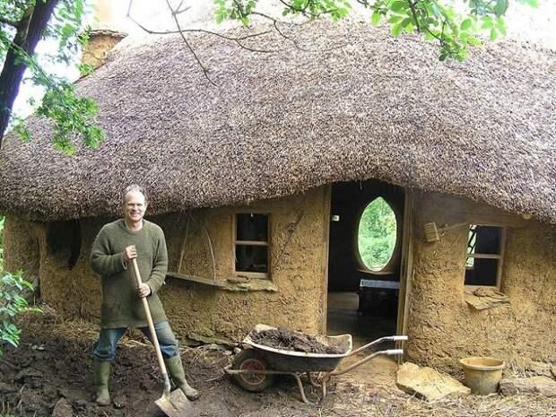 Мужчина, который построил дом, потратив всего 250 долларов