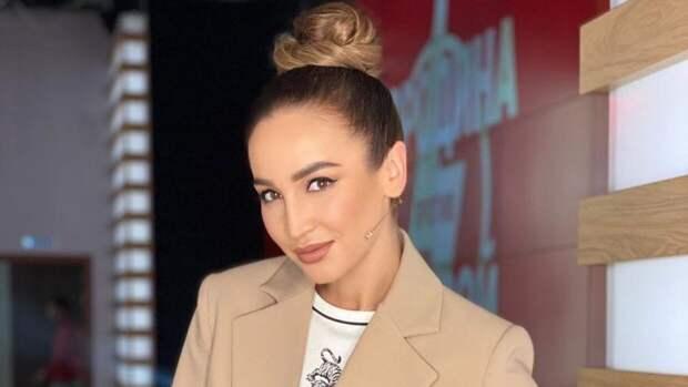 Певица Ольга Бузова вспомнила, как над ней издевались одноклассники