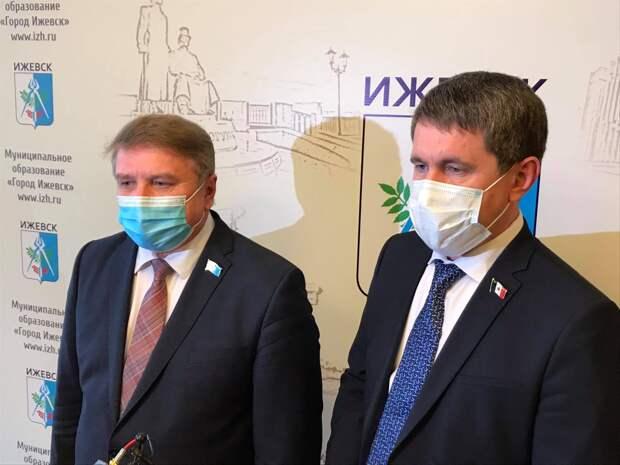 Члены конкурсной комиссии прокомментировали программы кандидатов на пост главы Ижевска