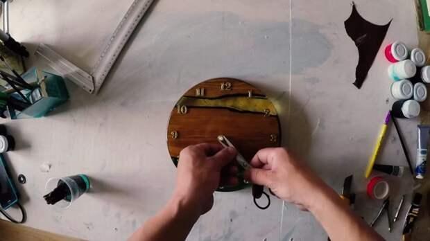 Нетривиальные и очень красивые часы из дерева своими руками