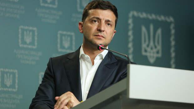 На что живут украинские президенты: на Украине сравнили зарплаты Зеленского и Порошенко