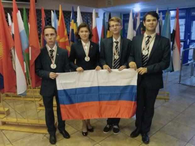 На Международной олимпиаде по биологии российские школьники завоевали четыре медали