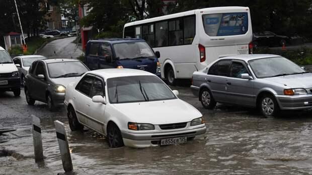 Во Владивостоке объявили штормовое предупреждение