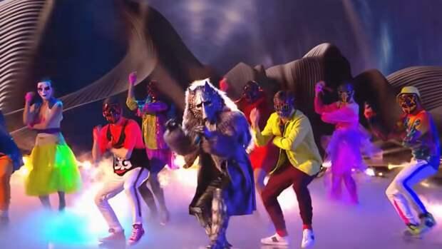 Участника в костюме Слоника рассекретили в шоу «Маска»