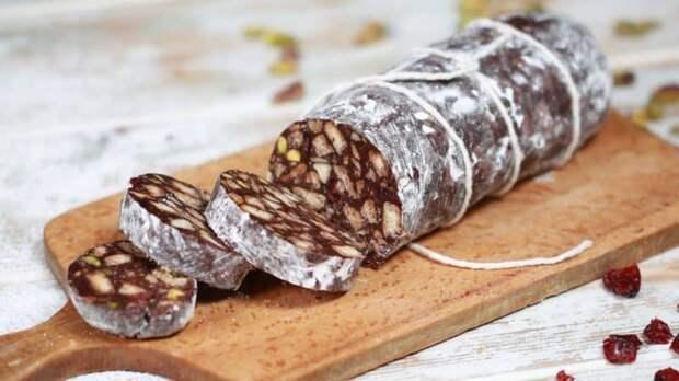 Шоколадное салями с орехами и кунжутом. Волшебный десерт для тех, кто следит за фигурой 2