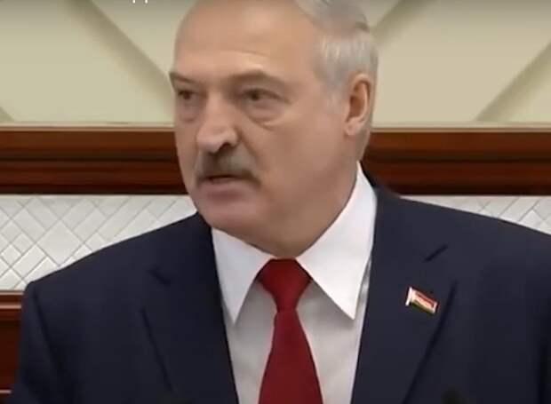 Лукашенко объявил о начале работы комиссии по подготовке поправок в Конституцию