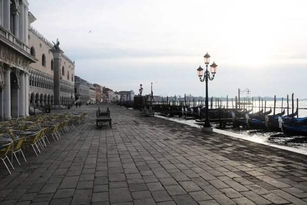 20 фотографий о том, как коронавирус повлиял на жизнь в Италии