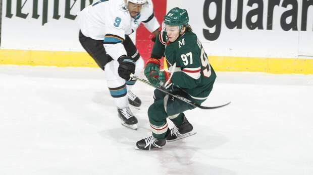 Что творится с Капризовым? Звезда НХЛ не может забить в четырёх матчах подряд