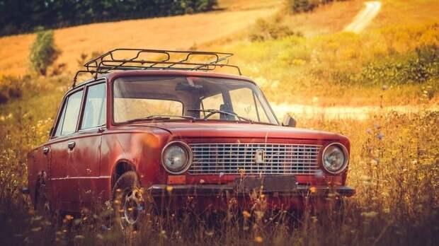 АвтоВАЗ отмечает 51-й день рождения «копейки»