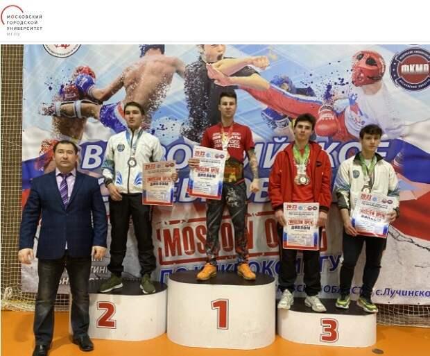 Кикбоксер из МГПУ завоевал две медали на всероссийском турнире