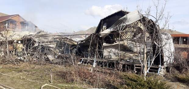В Феодосии из-за пожара пострадали два частных дома