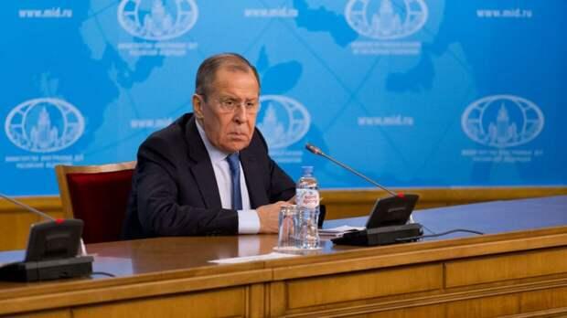 Лавров рассказал, как ЕС пытается не отстать от США в антироссийской игре