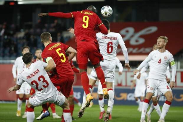 Сборная Бельгии обыграла Данию и вышла в плей-офф Евро-2020