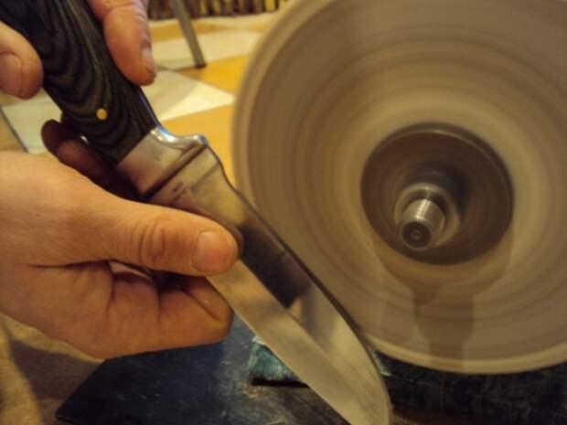 Прием с заточкой кофейной кружки может оказаться очень удобным в непредвиденных обстоятельствах. /Фото: zakazy.net