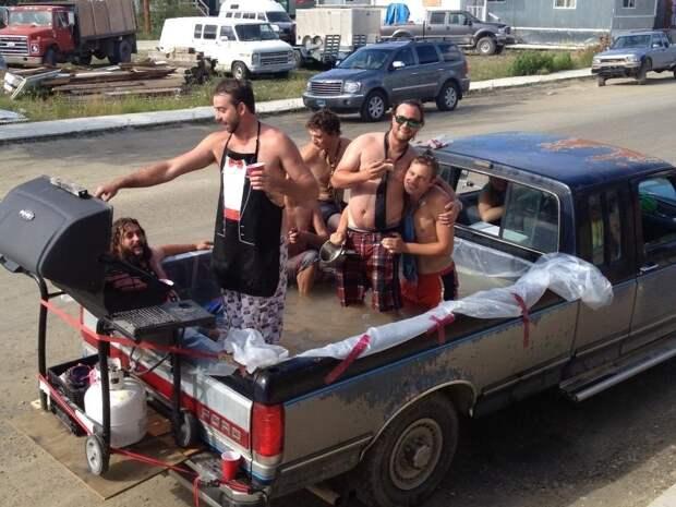 Забавы молодых: пьянки, гулянки, вписки