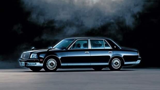 Эволюция самого роскошного автомобиля Японии (11 фото)