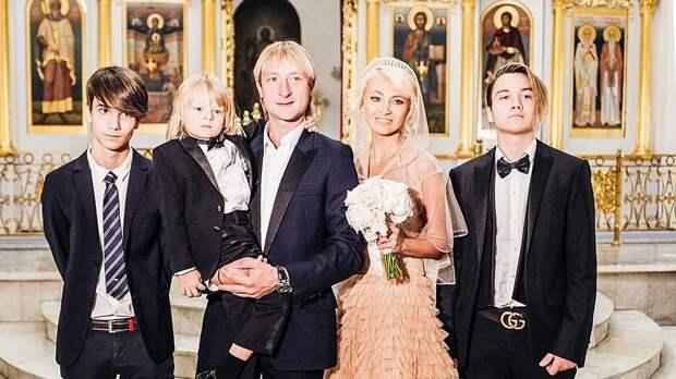 Сыновья Яны Рудковской Андрей и Николай: как выглядят и чем занимаются