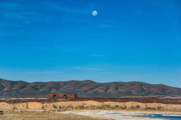 train-graveyard-bolivia-chris14