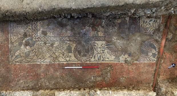 Уникальная мозаика с прототипом Георгия Победоносца найдена в Англии