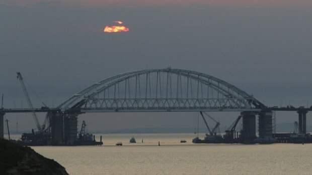 Туристы из Украины едут в Крым, чтобы посмотреть на Крымский мост