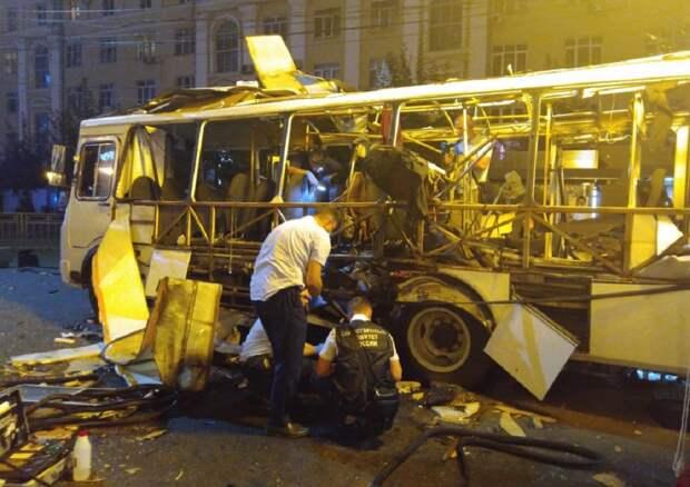 Специалисты на обнаружили следов взрывчатки в салоне взорвавшегося в Воронеже автобуса