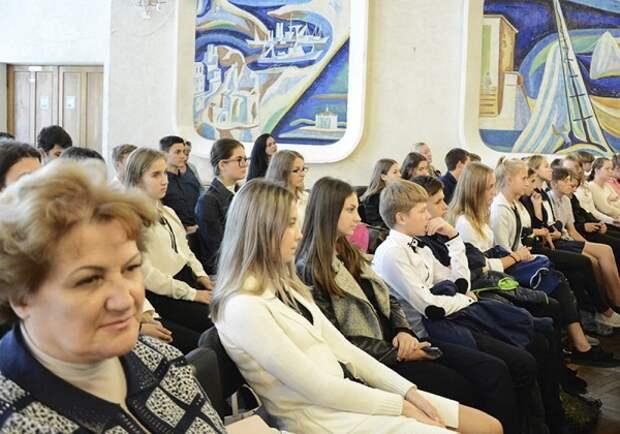 Севастопольцы сходили на День рождение граммофона (ФОТО)