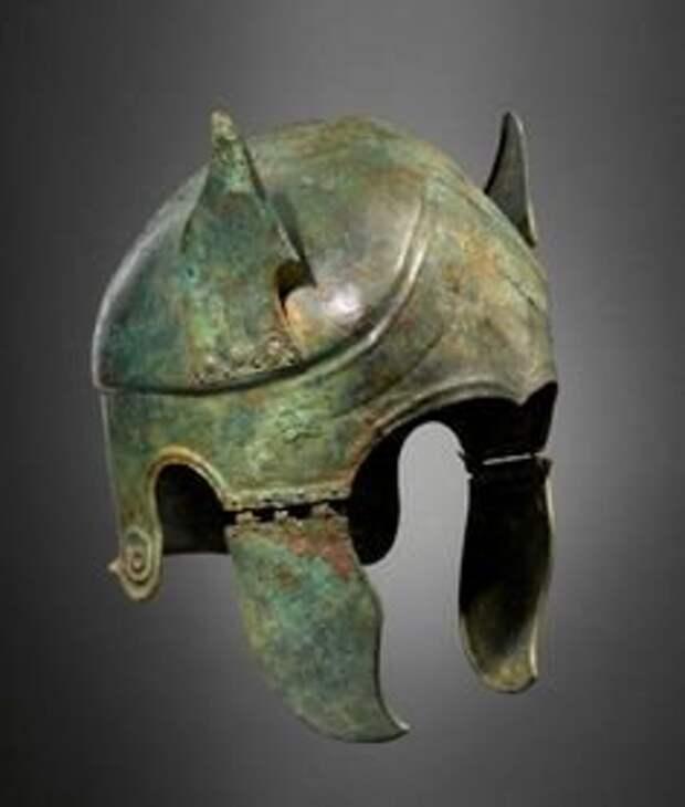 Аттический шлем