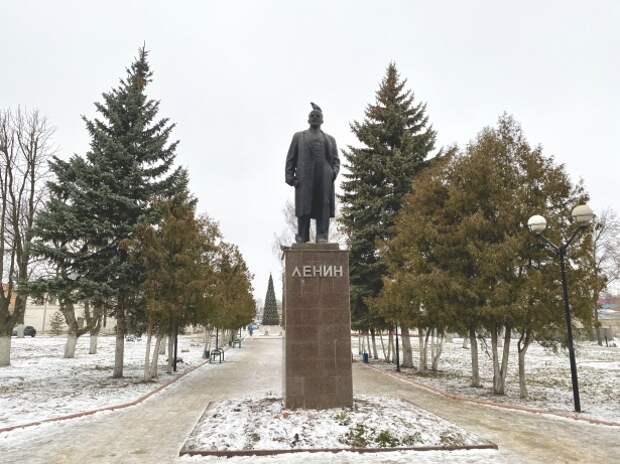 Самого молодого веневского Ленина взяли под охрану