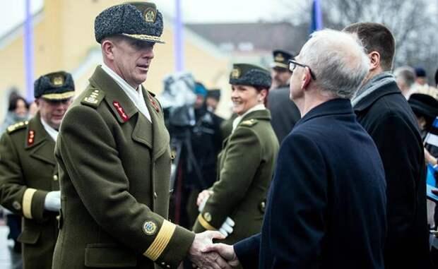 На фото: генерал Мартин Херем (слева)