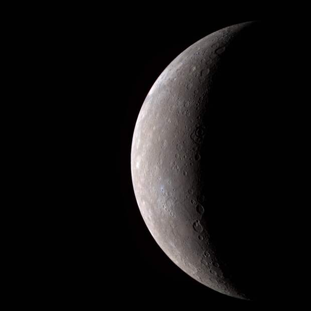 Фотография Меркурия сделанная зондом «Мессенджер»