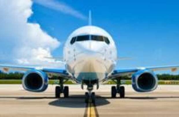 Самолет «Победы» заскользил по ВПП после посадки