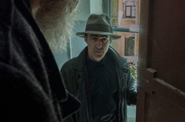 Роль оперативника Глеба Жеглова сыграл Вячеслав Бутусов.