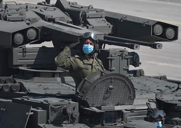 Командующий войсками ЗВО проверил подготовку военнослужащих и боевой техники к параду Победы в Москве