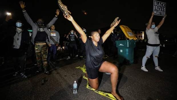 В Миннесоте начались беспорядки после еще одного убийства афроамериканца полицейскими