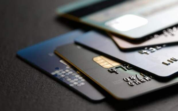 Россияне штурмуют кредитки - рост на 50%