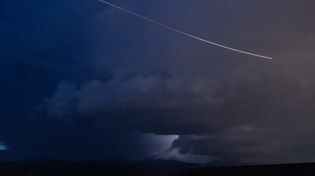 Появилось видео взорвавшегося над Камчаткой метеорита