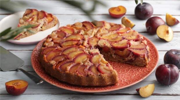 История нашумевшего сливового пирога из The New York Times и рецепт его приготовления