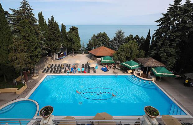 Отели Крыма начали закрывать продажи на лето из-за высокой загрузки. Остались ли еще номера?