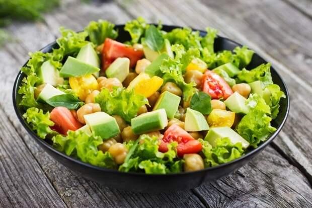 https://ru.depositphotos.com/56835841/stock-photo-salad-with-chickpeas-tomato-and.html