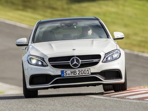 Новый Mercedes-Benz C-класса AMG оказался намного мощнее BMW M3