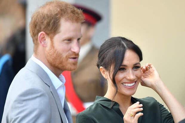 За 35-минутный подкаст Меган Маркл и принцу Гарри заплатили 18 миллионов фунтов стерлингов