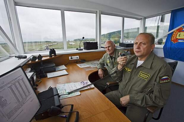 Сергей Шадрин (справа)