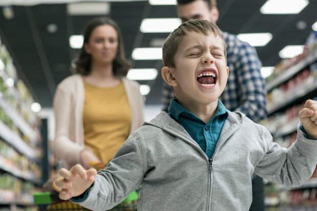 Почему современных детей вообще не учат вести себя в обществе?