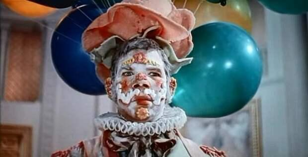 История маленького человека в торте из «Трех толстяков»