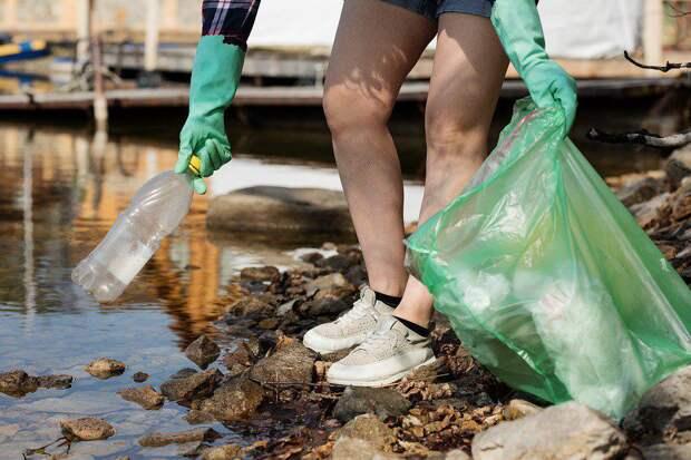 Волонтеры собрали 15 мешков мусора во время экопробежки в Кузьминском парке