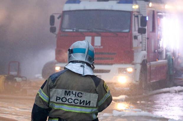 Пожарный погиб при тушении «Невской мануфактуры» в Петербурге