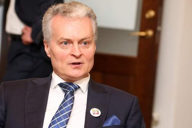 Президент Литвы: РФ пытается прикрыть дезинформацией протоколы Молотова-Риббентропа