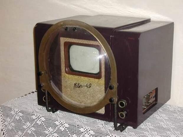 """3. """"КВН-49"""" - первый массовый ТВ в СССР, выпускавшийся с 1949 до 1960 СССР, антиквариат, вещи из СССР, фото"""