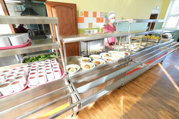 Почти 100 процентов кубанских школьников обеспечены горячим питанием