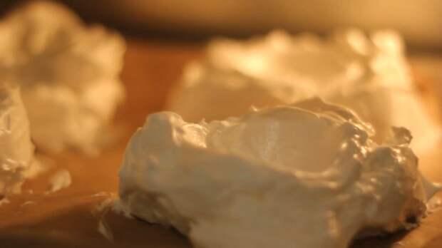 Простой рецепт пирожного «Павлова» с заварным кремом! Видео рецепт, Пирожное, Еда, Видео, Длиннопост, Кулинария